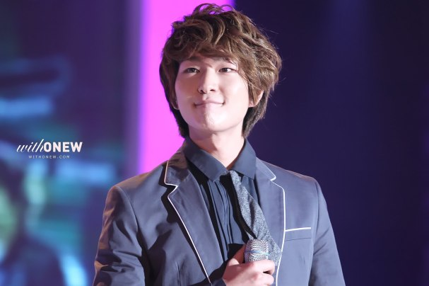 https://supershiningbeauty.files.wordpress.com/2011/04/onew2b01.jpg?w=300